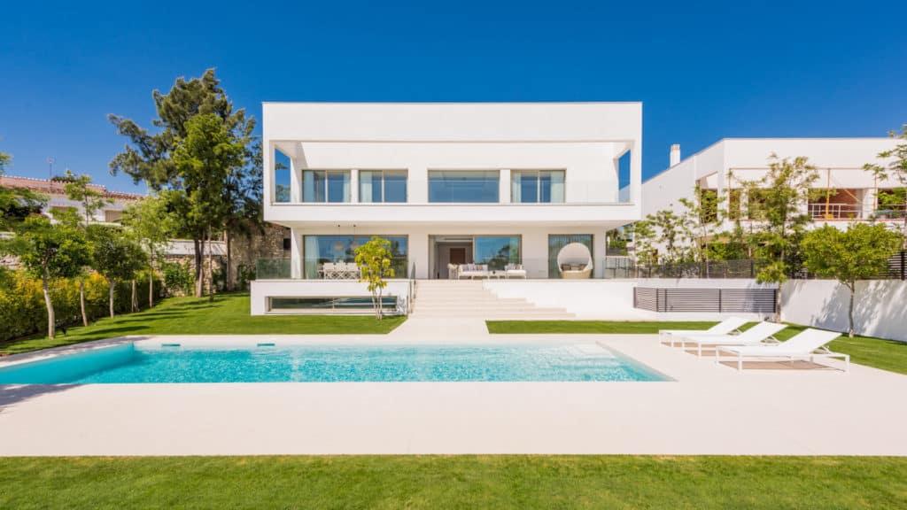 modern villas guadalmina