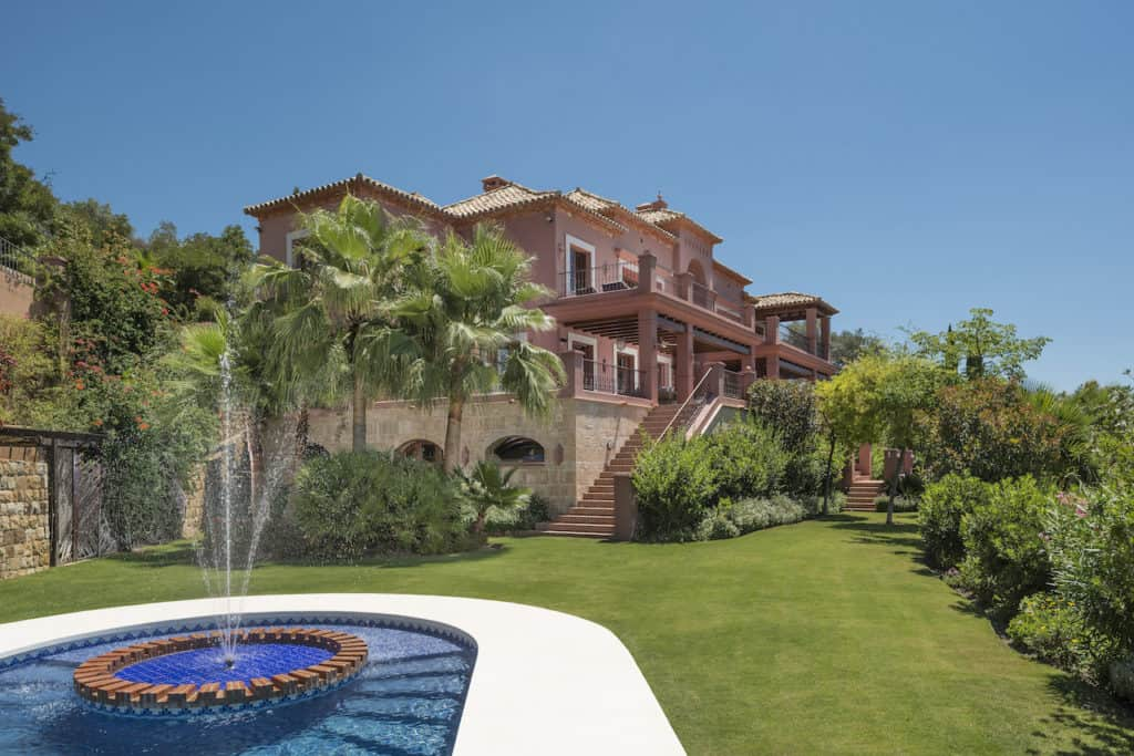 luxurious country villa on the edge of marbella