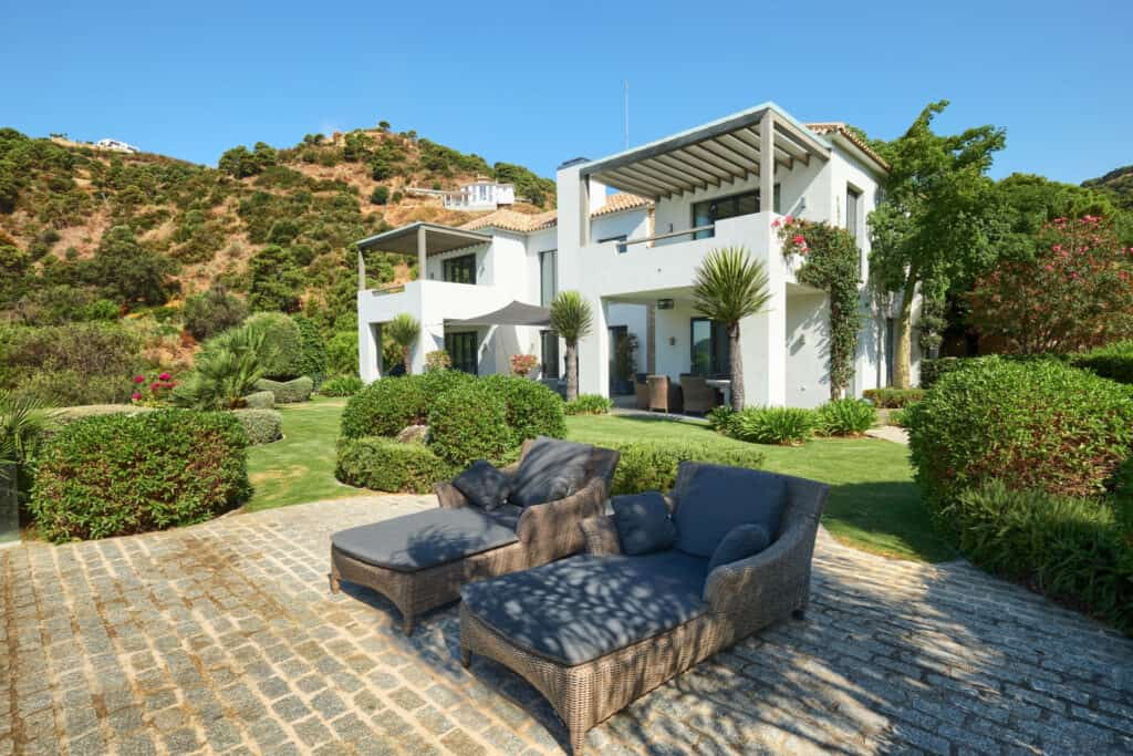 enjoy the marbella lifestyle in an oasis of green