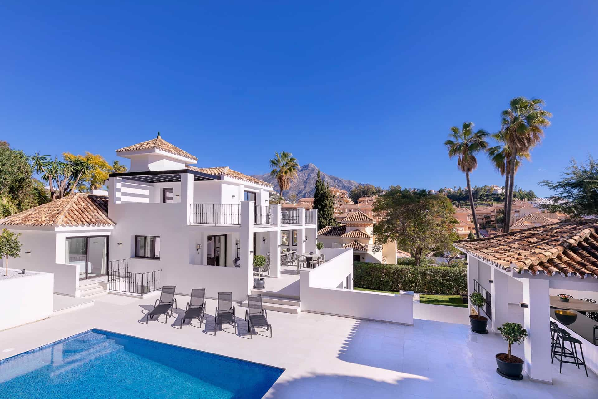 Marbella properties with fireplaces